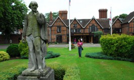 Alveston Manor Hotel © Travel Signposts