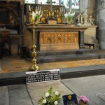 Shakespeare's Grave © Travel Signposts