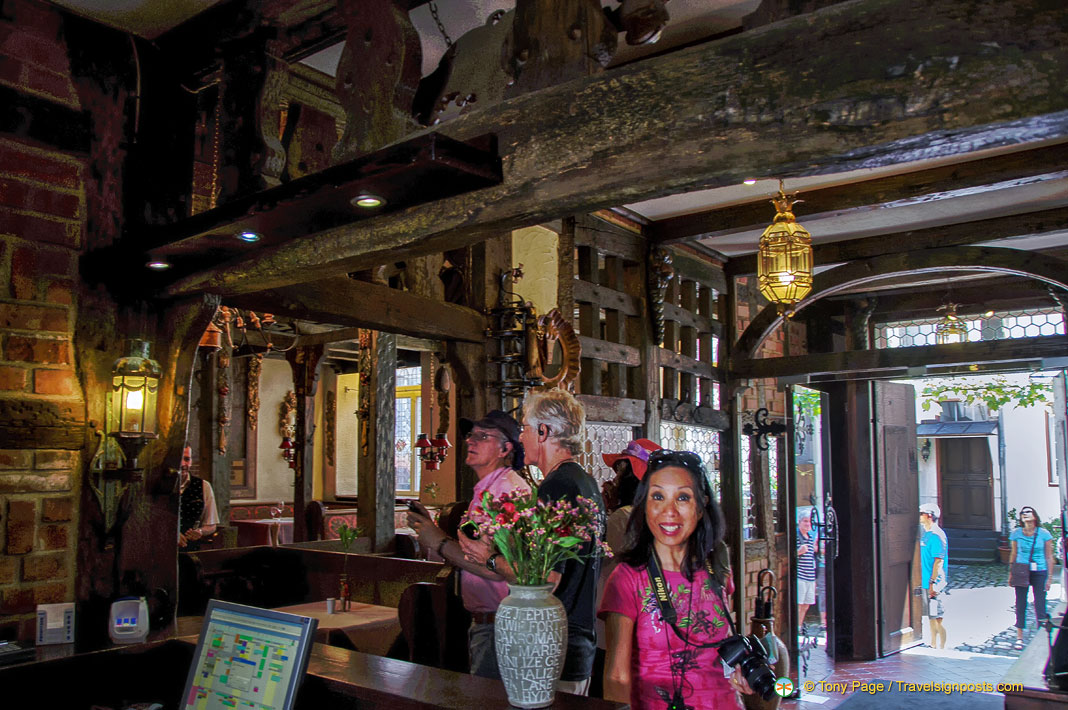 Hotel Doctor Weinstube - A Bernkastel Hotel and Attraction