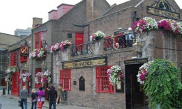 The Anchor Pub © Travel Signposts