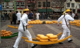 Alkmaar Cheese Market – A Traditional Dutch Cheese Market