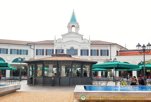 The veneto outlet with its venetian architecture for Aziende design veneto
