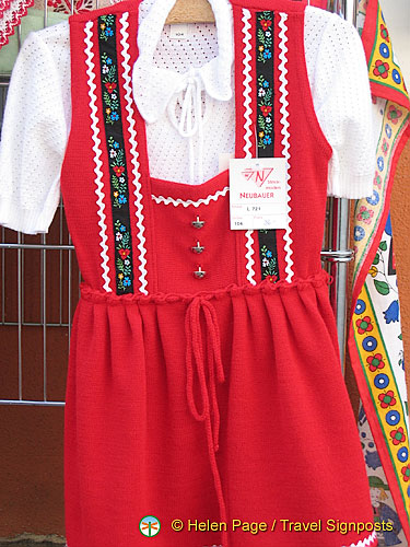 Austrian folk costume - Melk shopping