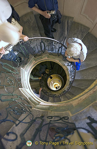 Spiral staircase with Roccoco grate