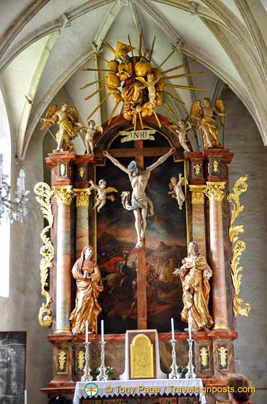 Side altar of Weissenkirchen white church