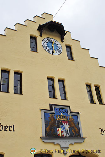 Crest of Braustuberl brewery