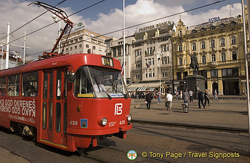 Trams in Jelacic Square