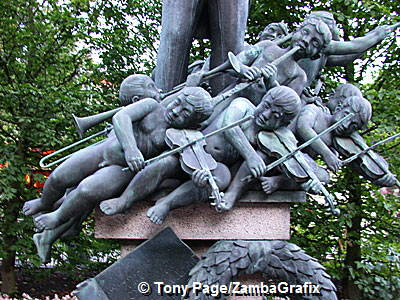 Georg Carstensen had seen pleasure gardens on his travels through Europe