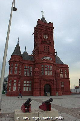 Its decoration and terracotta detail were partly influenced by the red Mogul buildings of India
