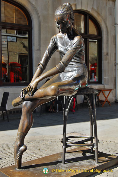 The Young Dancer - a beautiful bronze state in front of the Royal Opera House