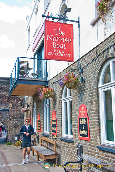 The Narrow Boat Bar and Restaurant