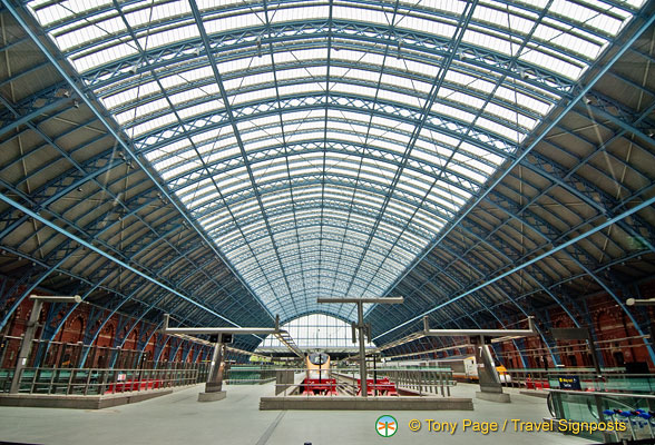 The magnificent arch roof of St Pancras