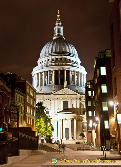 St Paul's Cathedral by night