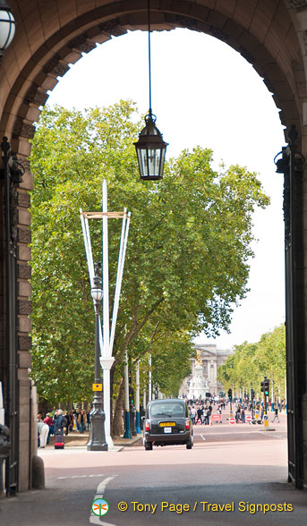 A view through Admiralty Arch towards the Mall