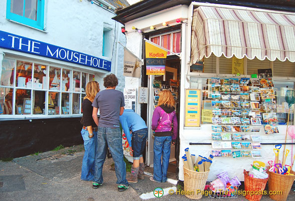 The Mousehole gift shop and news stand