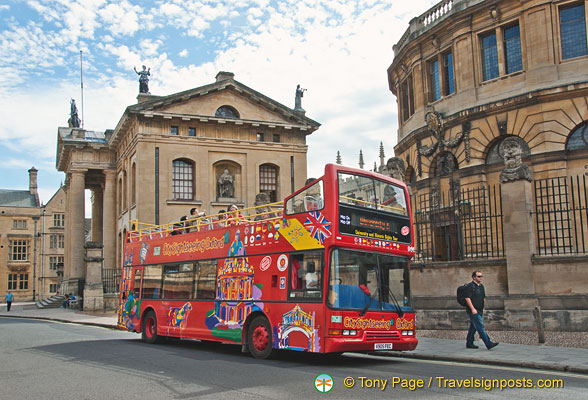 Oxford sightseeing on a Hop-on Hop-off bus