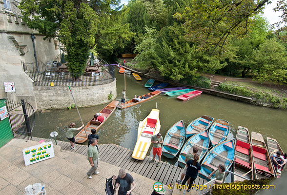 Punting is an Oxford tradition.  The Magdalen Bridge Boathouse on High Street has chauffeured punts or you can hire a punt boat and do your own punting.