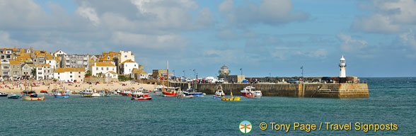 View of St Ives Bay and its pier