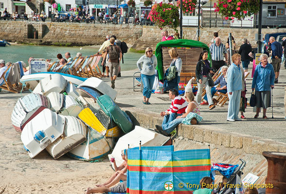 A busy St Ives harbourfront