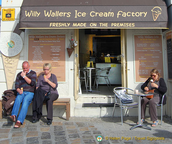 Willy Wallers Ice Cream factory