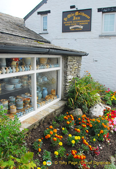 Tintagel pottery shop next to Ye Olde Malthouse Inn