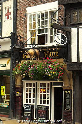 The Golden Fleece Pub, the most haunted pub in York
