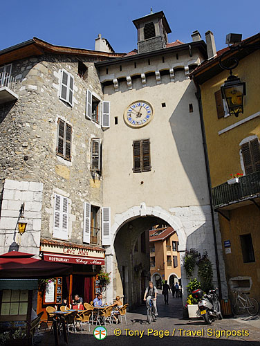 Sainte-Claire Gate was part of the old fortifications protecting the entrance to Annecy.
