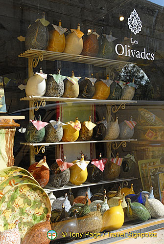 Les Olivades - an interesting pottery shop