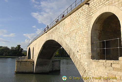 The surviving arches of Pont St-Bénézet