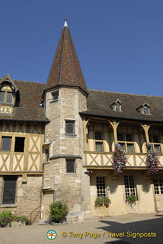 The Musée du Vin de Bourgogne on rue d'Enfer, Beaune
