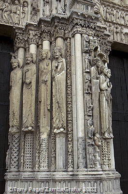 These statues represent Old Testament figures