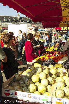 The village of Chateaubriant, and it's market day! [Chateaubriant - Brittany - France]