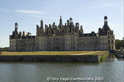 Chateau Chambord, the Loire Valley's largest residence [Chateaux Country - Loire - France]