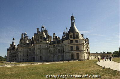 Originally a hunting lodge, it was razed in 1519 to make way for the present Chateau [Chateaux Country - Loire - France]