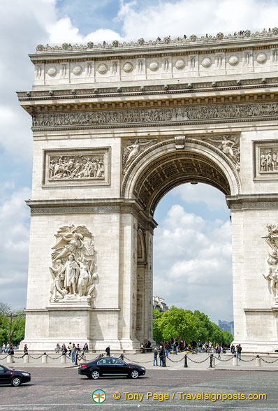 Arc de Triomphe on Place Charles-de-Gaulle