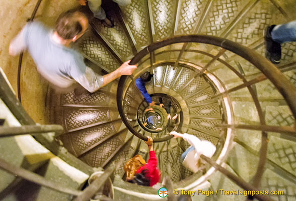 284 steps to the viewing platform of the Arc de Triomphe