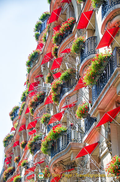 The bright balconies of Hotel Plaza Athénée