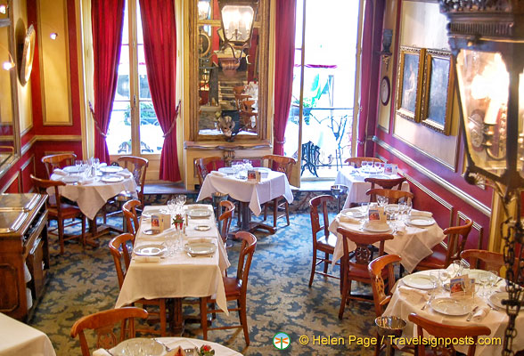 Le Procope dining room