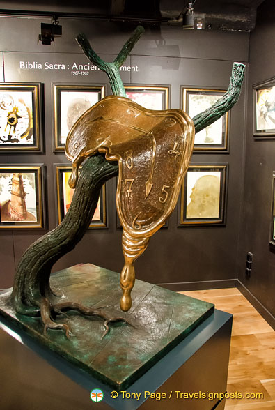 Dalí Sculpture - Profile of Time