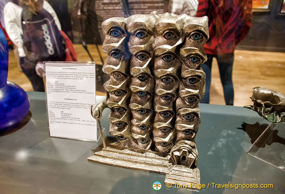 Dalí Sculpture - The Surrealist Eyes