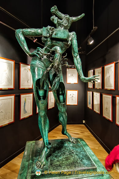 Dalí Sculpture - The half-man, half-bull Minotaur with all its Dalínian symbols