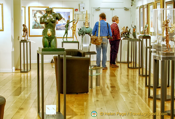 Espace Dalí Gallery with limited edition Dalí sculptures and other works for sale