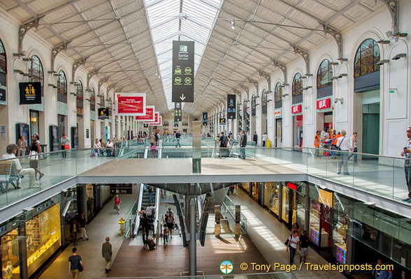 Shopping centre inside the Gare St Lazare complex