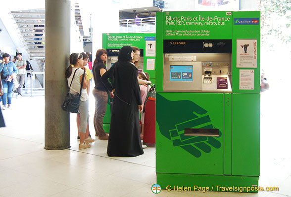 Green machines for Paris and Ile-de-France transport tickets