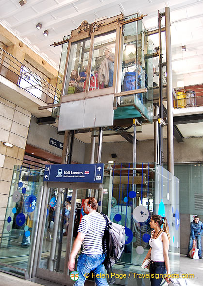Lift to the Eurostar ticketing and check-in level