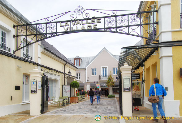 Gateway of La Vallée Village
