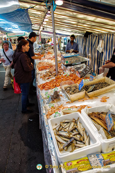 There are plenty of seafood stalls at the Marché Président Wilson