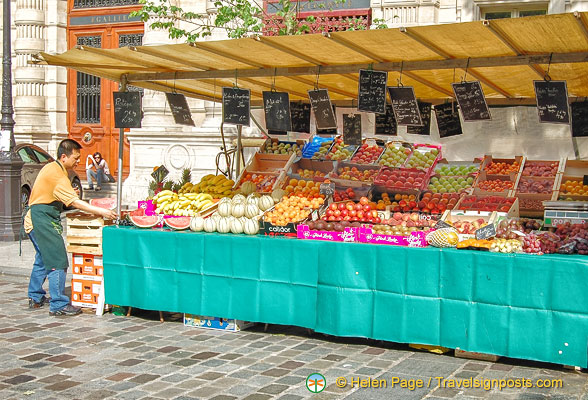 Fruit stall at Marché Baudoyer