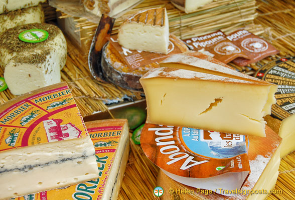Yummy cheeses at Marché Saxe-Breteuil