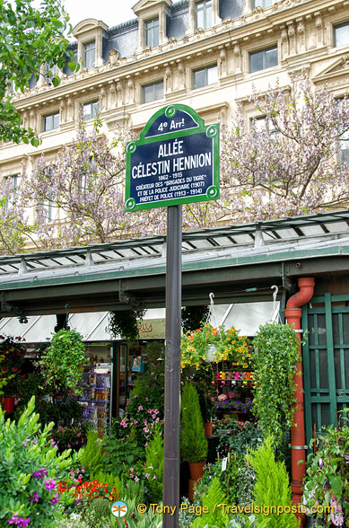 Allée Célestin-Hennion, named after the man credited with modernizing the French police force